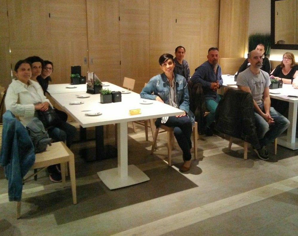 Usuaris del servei d'orientació d'ASPROM visiten El Corte Inglés
