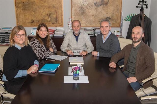 L'Ajuntament de Marratxí i ASPROM signen un acord de col·laboració per millorar la qualitat de vida del col·lectiu